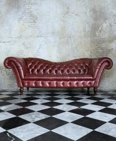 Måla golv och trappor med chalk paint (kalkfärg, kritfärg). Photo © TaraPatta