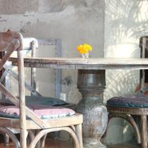 Autentico Sweden, agent och distributor av krit- och kalkfärg. Photo  Lucy Liu