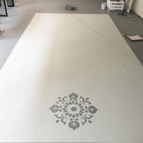 Autentico schablonmålning på golv