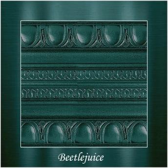 Beetlejuice - PP Metallic handmålad tag ca 5x8 cm