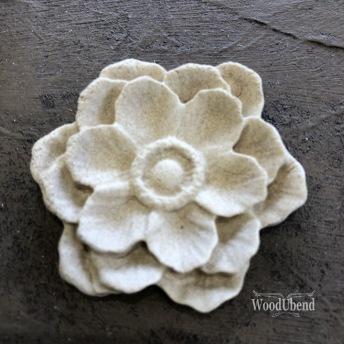 Classic Multi Petal Flower WUB0355 Mått 5 cm - Ornament