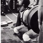 RÖRANDE TIDNINGEN NYA KRAFTSPORT 1975-11,Peter Svedin passar till Lasse Björck på SM 1975