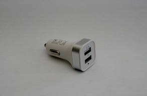 BIL LADDARE M 2 USB UTTAG - BIL LADDARE