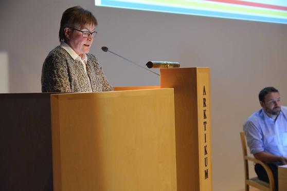 Riitta Leinonen puhui kielitaitojen tärkeydestä Pohjoiskalotilla. Kuva: Agata Mazepus/Arctic Centre.