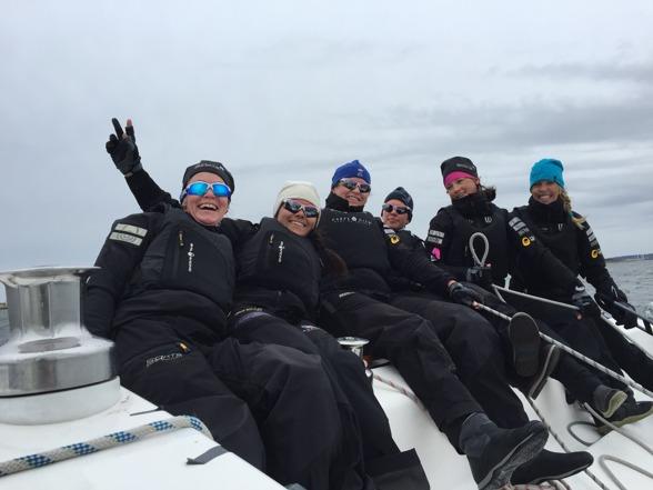 Goa o glada tjejer efter ett intensivt pass i iskylan! :-)