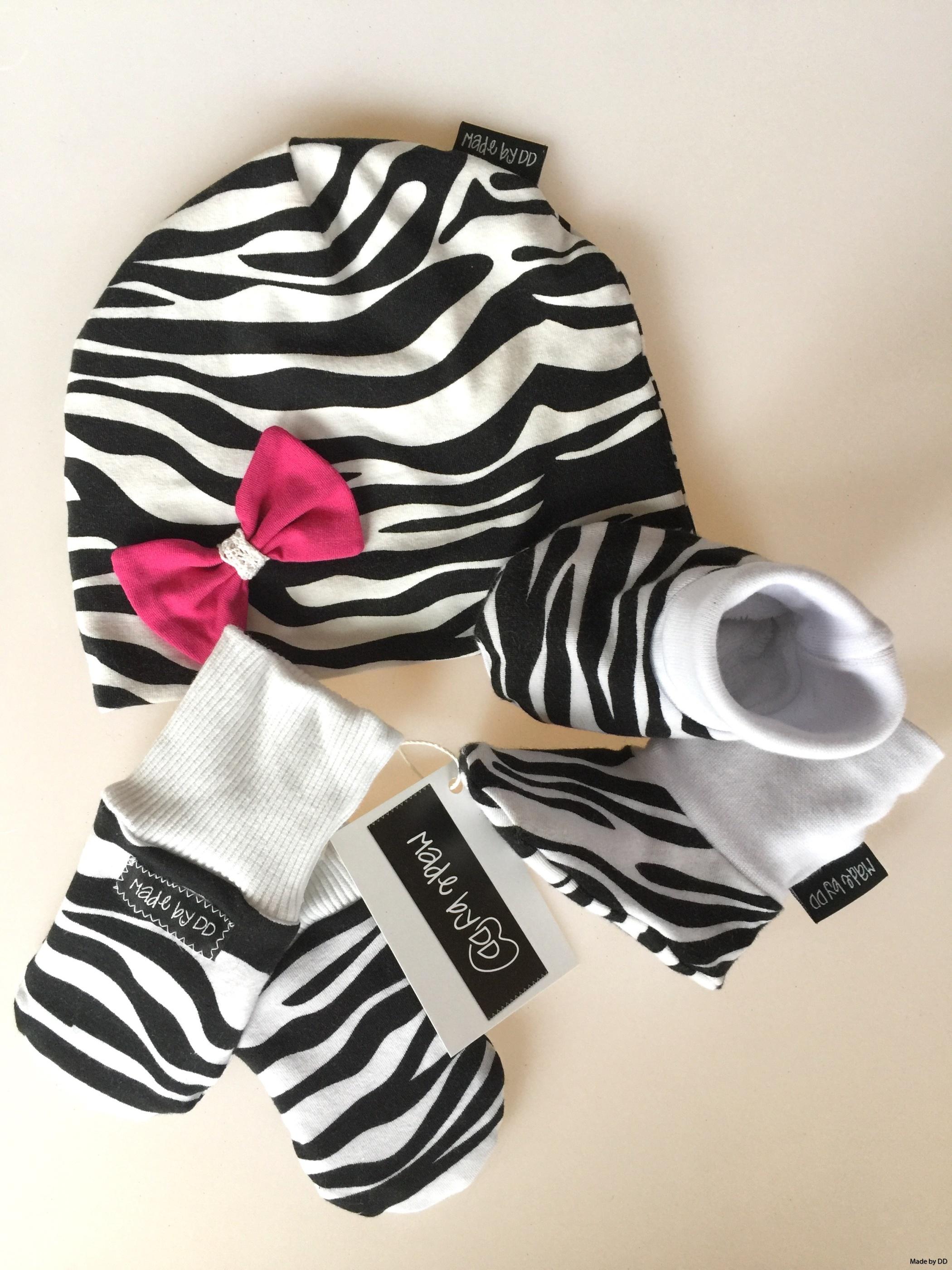 Set baby mössa tossor sovvantar zebra made by dd ekologiskt