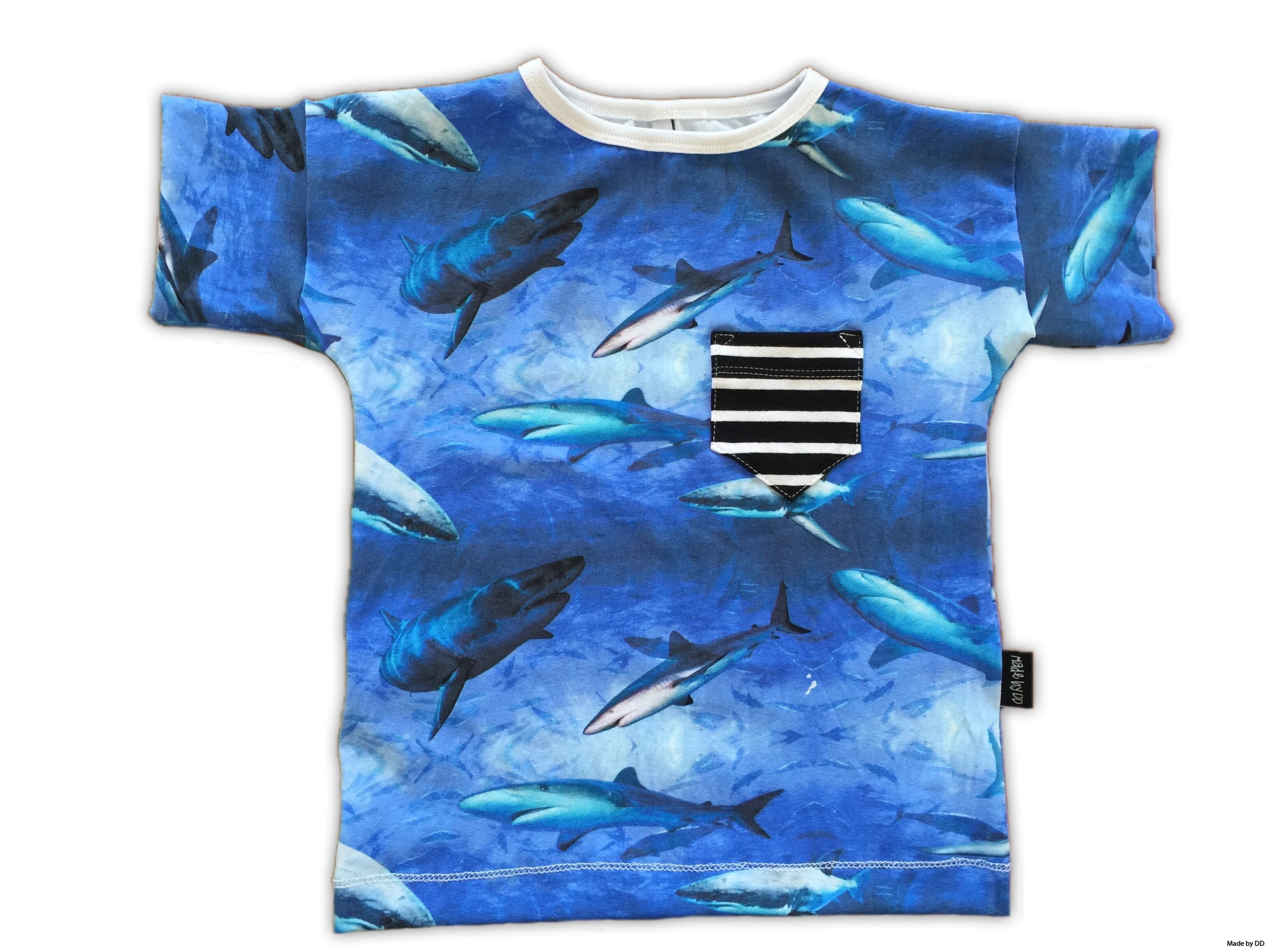Easy tee tshirt Sharks GOTS made by dd