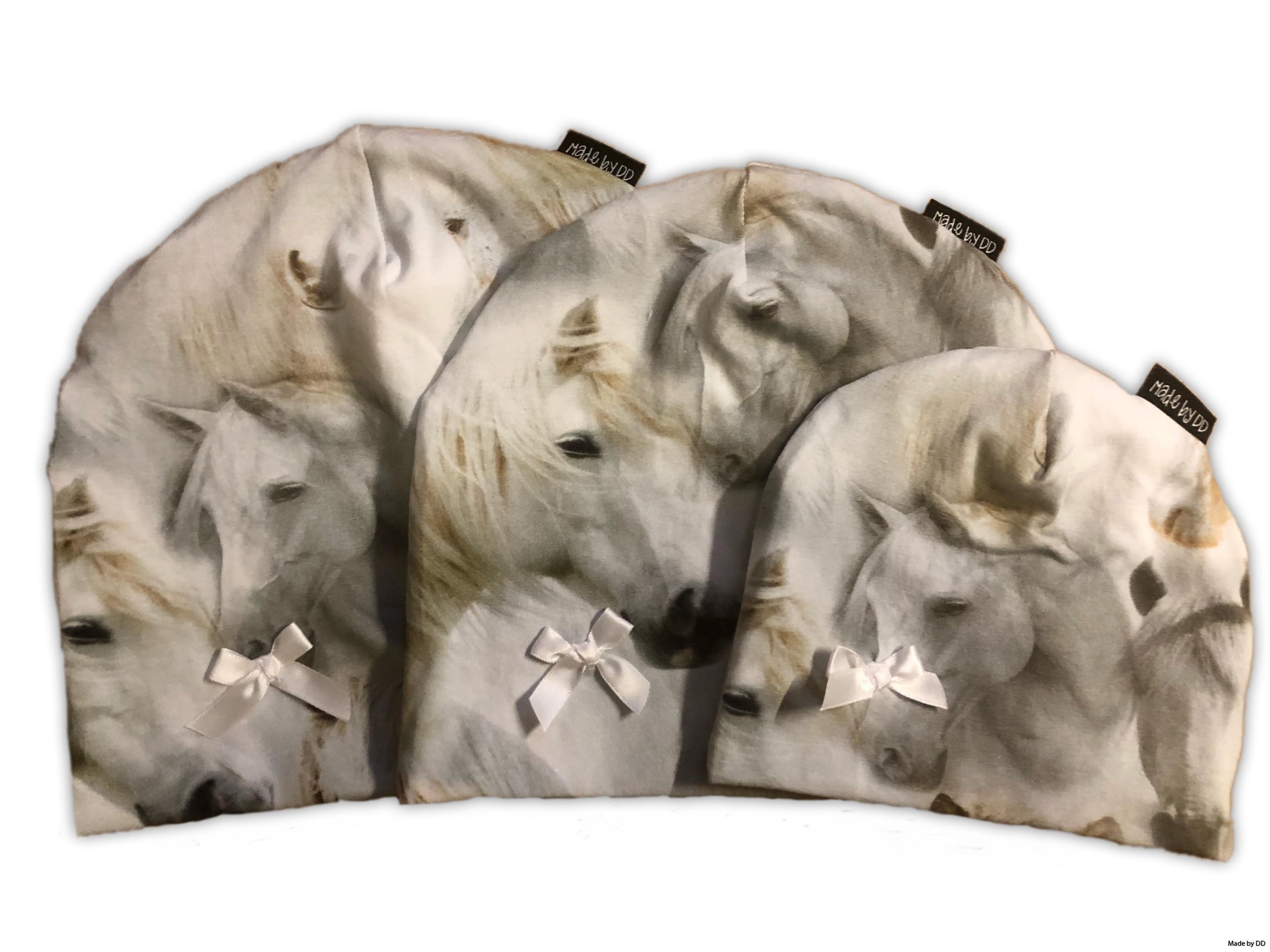 Mössa hourses rosett made by dd eko GOTS