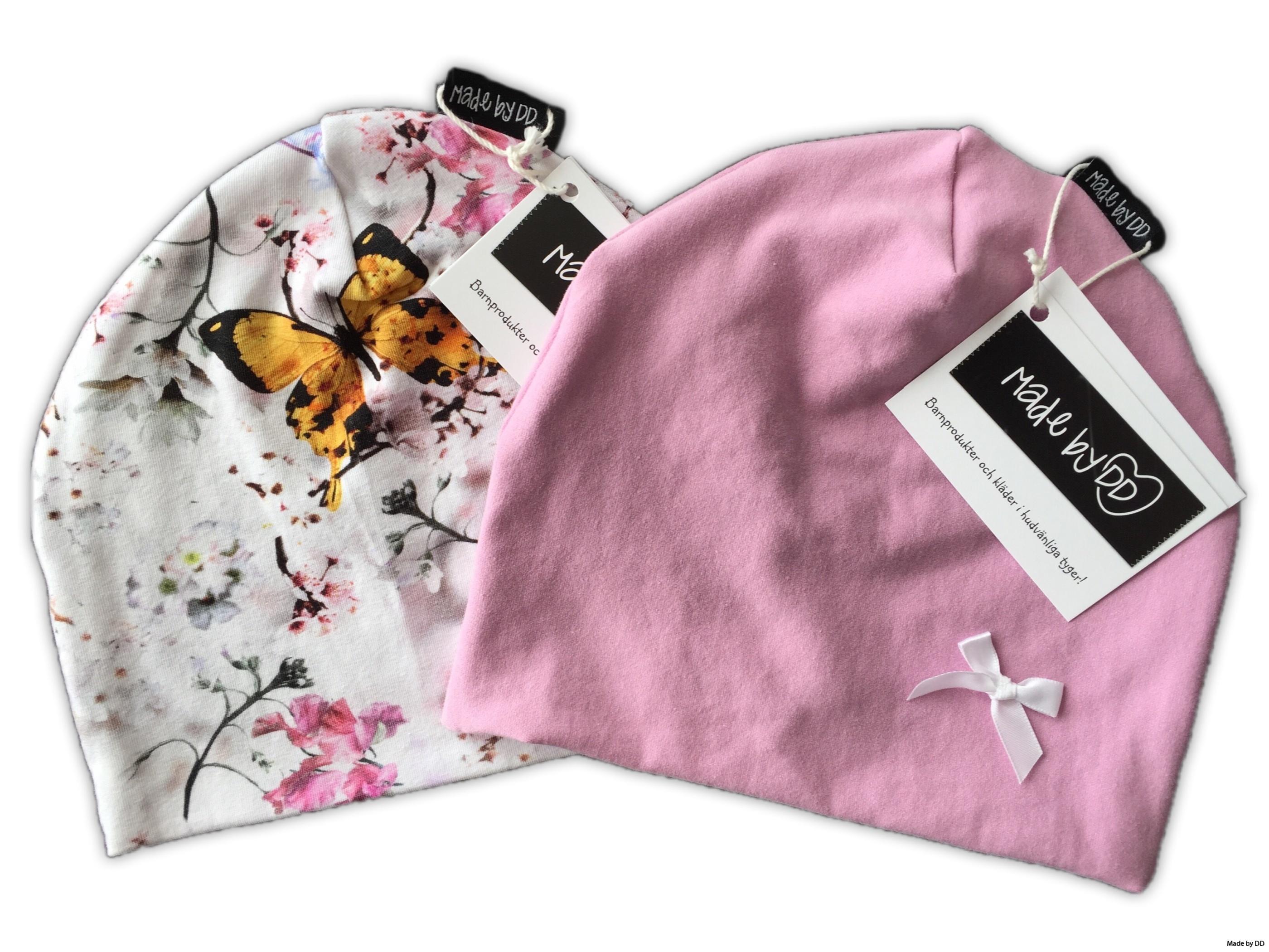 Mössor made by dd GOTS fjärilar rosa rosett