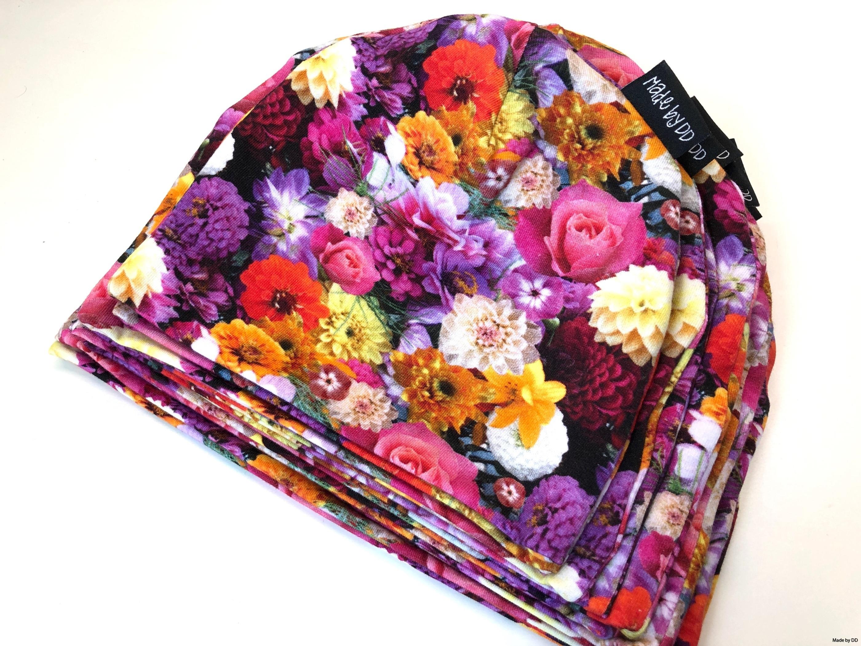 Mössor flowers Made by DD eko GOTS