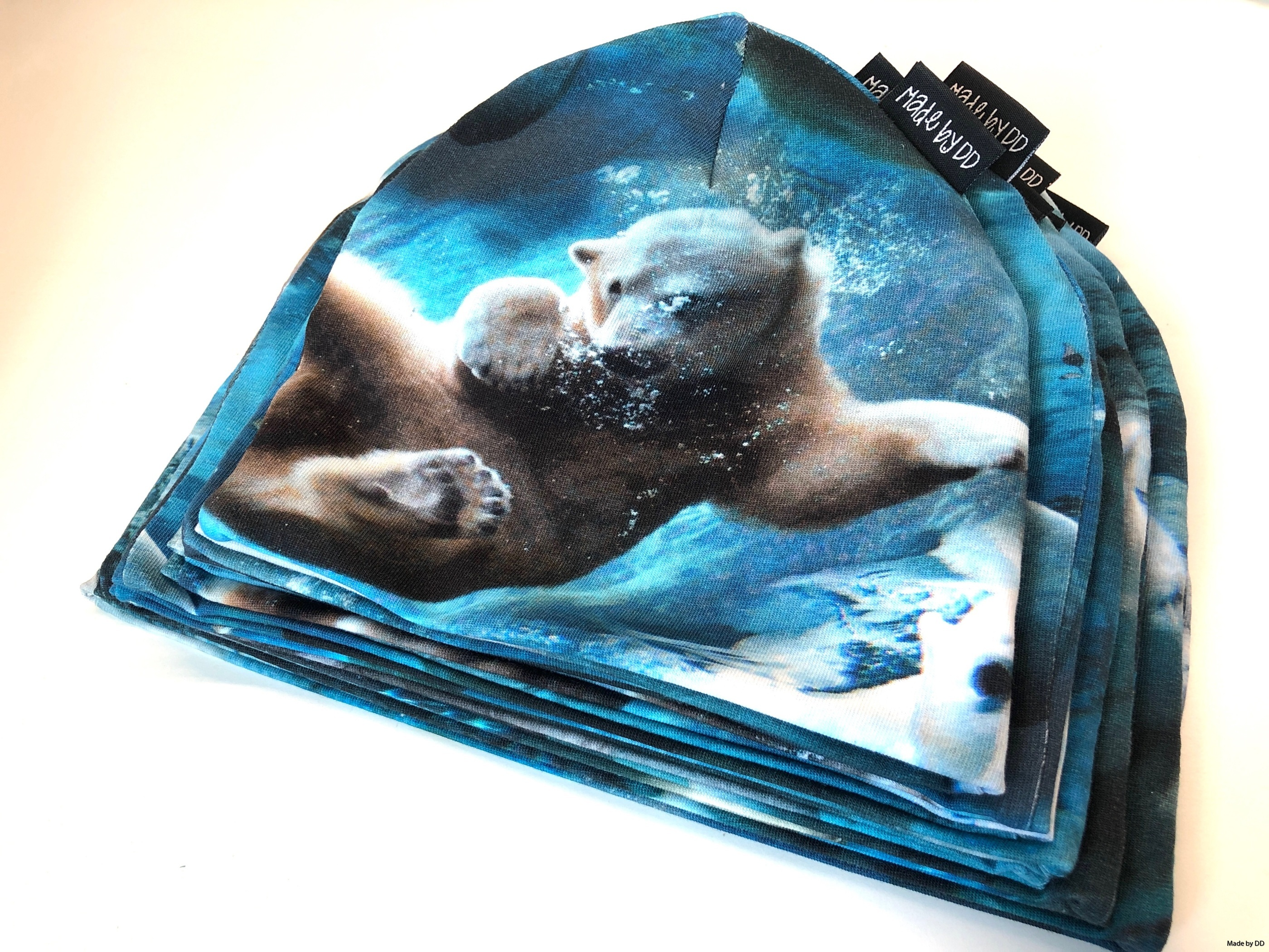 Mössor polar bears Made by DD eko GOTS