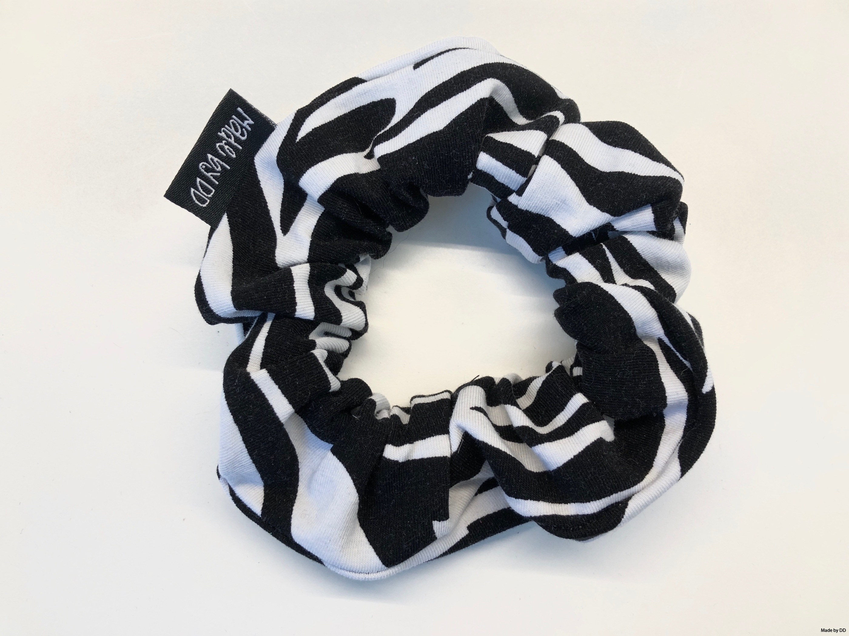 Scrunchie zebra Made by DD ekologisk