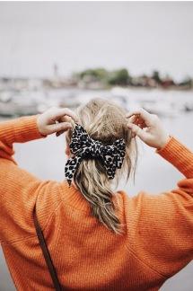Hårband med knut -