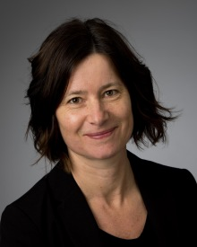 Vår konsult Helena Hjälmefjord med erfarenhet inom medicinteknik håller skräddarsydda utbildningar, kurser & workshops för den medicintekniska branschen.