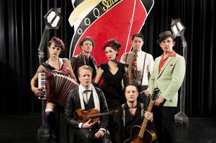 Darya och Månskensorkestern: Foto: Jonas Jörneberg