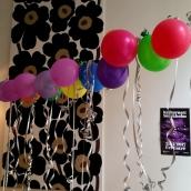 Ballonger som sig bör på en valborgskarneval, här i Stockholm!