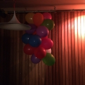 Massor av valborgsballonger här med!