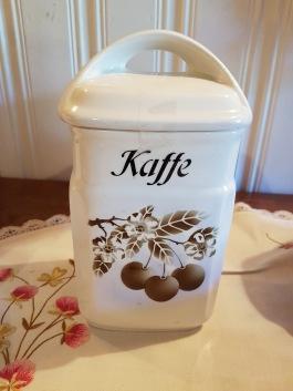 """Burk med lock """"Kaffe"""". Import. Höjd inkl. lock 20 cm. Fint skick. 80 SEK"""