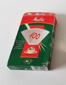 En bruten förpackning Melillafilter 100. Större delen filter finns kvar. 30 SEK