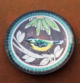 Väggtallrik NILA keramik. Diam. 19 cm. Fint skick. 50 SEK