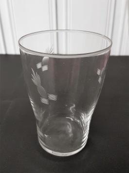 12 st grogglas med annanasslipning. Höjd 12 cm, diam. 8 cm. Fint skick, inga nagg. 450 SEK