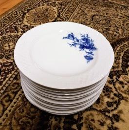 12 assietter Bavaria Schumann Arzberg. Diam. 17,5 cm. 300 SEK