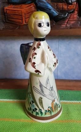 """Ängel i keramik med ljushållare. Utländsk, märkt """"Mexico"""" i botten. Höjd 22,5 cm. Fint skick. 75 SEK"""