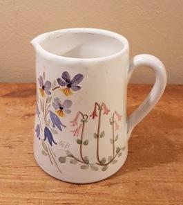 Mindre kanna från Tällberg Keramik. Höjd ca 12 cm. Design Greta Billander. 50 SEK