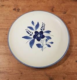 "Handmålad assiett Gefle ""Anemone"" (6). Diam. 20 cm. Fint skick. 30 SEK/st"