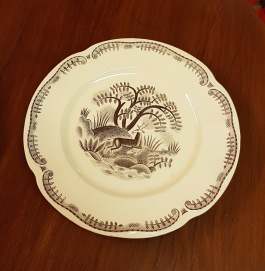 "6 st assietter Gefle ""Tibet"". Dekor Arthur Percy. I produktion 1933-43. Diam. 21 cm. Gott bruksskick.  180 SEK"
