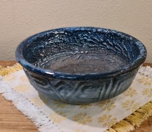 Blå skål Tilgmans. Höjd 7 cm, diam. 18 cm. Fint skick. 75 SEK