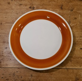 """Tallrik Gefle """"Pastell"""" (4). Fint bruksskick, endast mindre repor. Inga sprickor eller nagg. Diam. 24 cm. Eugen Trost, 70-tal?  45 SEK/st"""