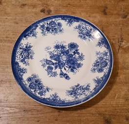 Blåvit assiett Egersund (4). Diam. 19,5 cm. Fint skick. 30 SEK/st