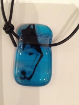 Glas halsband olika motiv - Glas halsband Husky Blå
