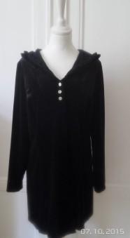 Mirja L - Mirja L är en tröja med luva och volangkant, sammetstreach ,size S, svart