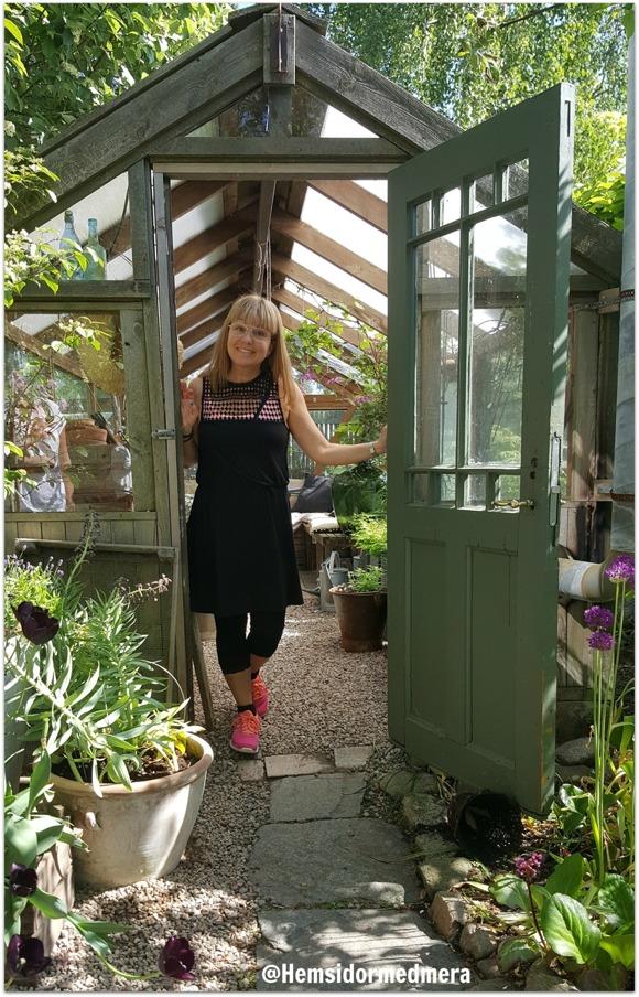 Hej! Det är jag som är Ulrika och det är mig som du träffar under ett kostnadsfritt möte (bilden har jag tagit under ett besök i trädgården hos lillagrona.se)