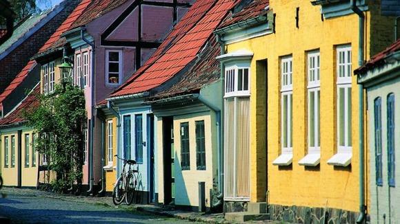 """Sommarbild från Odense - en stad jag kanske besöker under sommarens första """"minisemester"""" (bild från nätet)"""