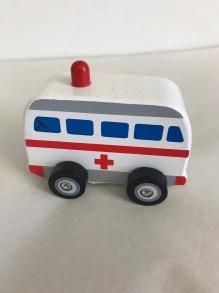 Bilar Bruno - Ambulans träbil