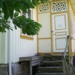 Ingång till stugan Kalvhagen