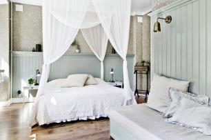Bröllopspaket på hotell Okens B&B i Varberg för brudpar som önskar romantiskt rum med himmelsäng