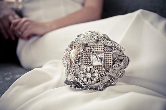 brudbukett i silver
