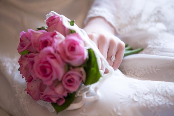rosa rosor brudbukett