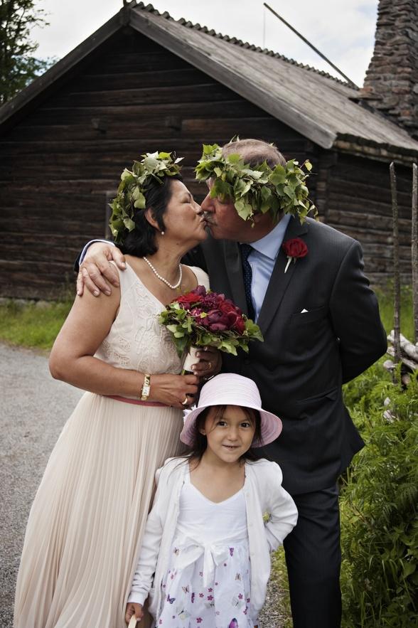 Matilde Panduro och Per Schilling., Åkersberga gifte sig 2013 på Skansens Drop in-bröllop. Barnbarnet Evy var också med. Foto: Marie Andersson