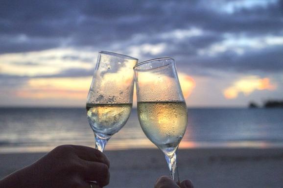 Glas med mousserande vin, Pixabay
