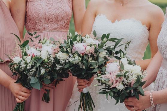pion, pioner, rosa, brudbukett, bukett, brud, tärna, tärnor, bröllop, inspiration, bröllopsinspiration, blommor