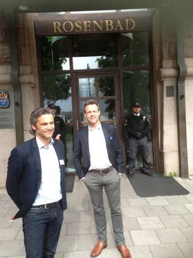 Mats och Jens Hoffmann utanför Rosenbad
