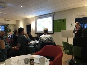 Jag blev på ett seminarium nu i veckan återigen informerad om att många människor arbetar illegalt i Sverige och ofta under riktigt dåliga villkor.