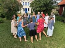 Dans i trädgården juli 2018