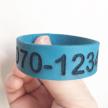 Armband - Med nummer & namn - Blått