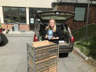 Tack Linda Hagdahl för hjälp med mottagning och distribution,